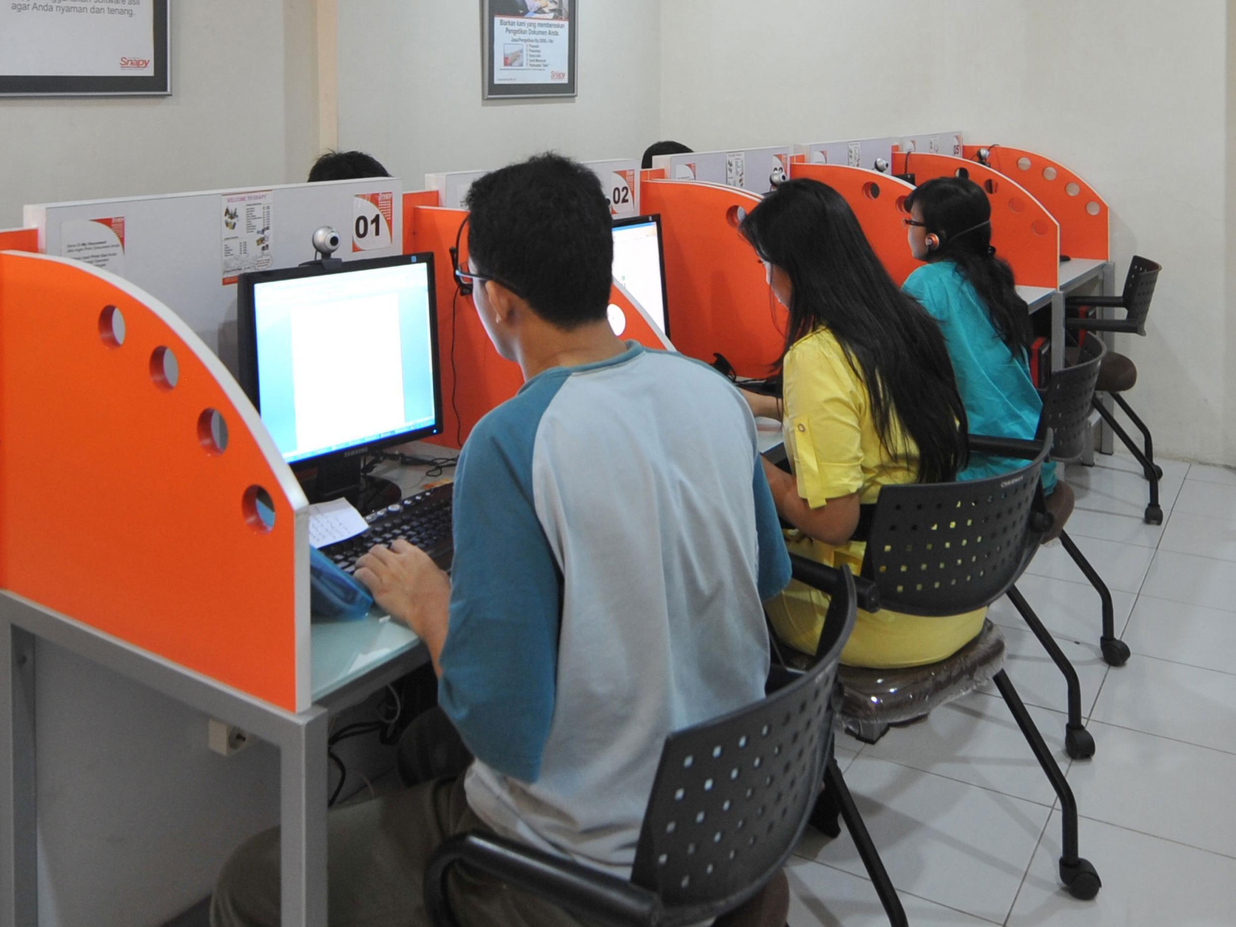 Cyber Cafe Bitwares